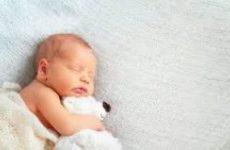 В Испании родился ребенок, у которого три биологических родителя