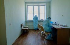 Сотрудников ковидного госпиталя в Новосибирске тестируют раз в неделю