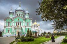 Пять монахинь скончались после вспышки COVID-19 в российском монастыре