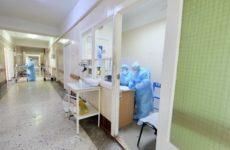 Пожилая женщина скончалась от коронавируса в Новосибирской области