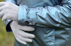 Врач назвал самый эффективный тип перчаток для защиты от коронавируса