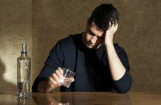 Объяснена беспомощность человека перед алкоголизмом