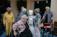 На помощь обитателям домов престарелых придёт искусственный интеллект
