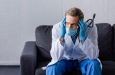 В Санкт-Петербурге 80% зараженных COVID-19 медиков не получили президентскую страховку