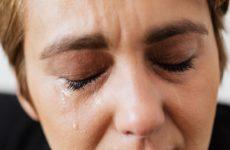 5 причин, по которым слезятся глаза