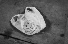 Пластиковые пакеты помогут защититься от заражения COVID-19