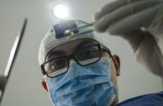 Опровергнуто: у переболевших коронавирусом выпадают зубы