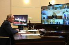 Президент призвал ускорить тесты на COVID-19 и раздавать бесплатные лекарства