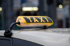 В Санкт-Петербурге такси будут бесплатно возить врачей