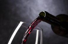 Важно: перед вакцинацией от коронавируса нельзя пить алкоголь минимум 42 дня