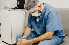 Британские врачи повально заболевают коронавирусом