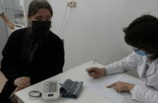 В Дагестане глава епархии получил прививку против COVID-19