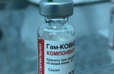 Вакцинация в России пока не может стать массовой