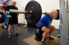 Силовые тренировки не облегчают боль в коленях