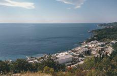 Крым освобождается от короновирусных ограничений