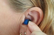 Коронавирус может вызывать глухоту и головокружения