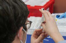 Вакцину от ковида испытают на шестимесячных детях