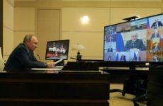 Владимир Путин поручил сравнить зарплаты рядовых бюджетников и руководителей организаций