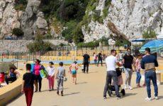 Гибралтар победил пандемию и живёт в будущем