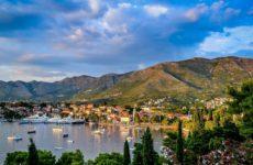 Черногория ввела бесплатные тесты на коронавирус для туристов