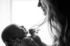 Контакт кожа к коже спасает жизнь недоношенным детям