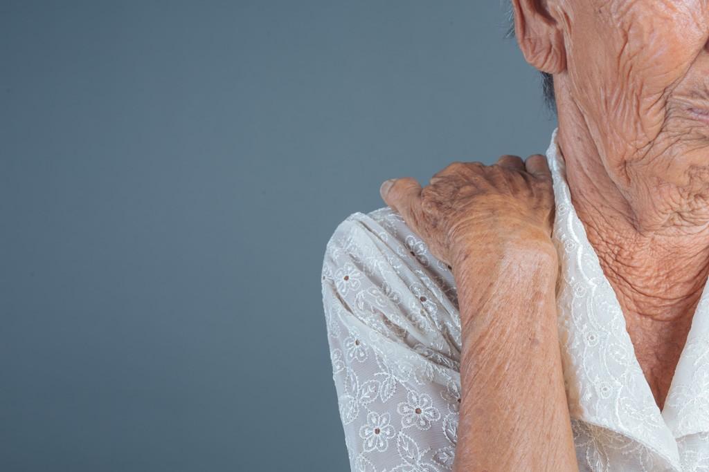 Социальная изоляция может быть смертельной для пожилых людей, Здоровье и современная медицина