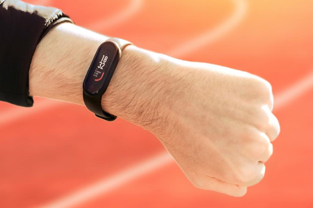 Современные фитнес-трекеры мотивируют пользователей на достижения больше физической активности, Здоровье и современная медицина